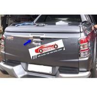 Tay mở cốp Mitsubishi Triton